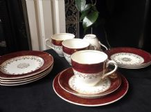 4 X VINTAGE HIGHLY GILDED J&G  MEAKIN MAROON RIMS TEA CUPS SAUCERS & SIDE PLATES